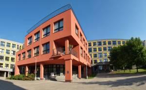 Škola, panorama ředitelství sever